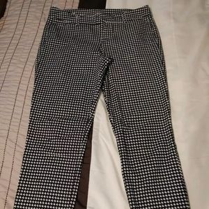 HOUNDSTOOTH Old Navy pants size 6